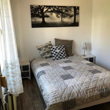 Zweites Schlafzimmer für ein bis zwei Personen mit 140 x 200-Bett